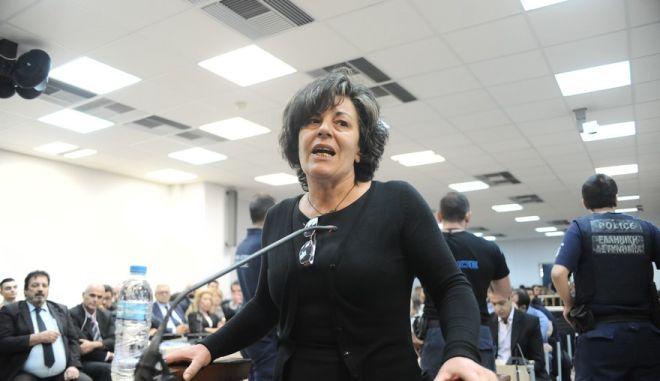 """Η μητέρα του Παύλου Φύσσα, Μάγδα Φύσσα καταθέτει ενώπιον του Τριμελούς Εφετείου Κακουργημάτων, στην δίκη της """"Χρυσής Αυγής"""" την Παρασκευή 2 Οκτωβρίου 2015. (EUROKINISSI/ΤΑΤΙΑΝΑ ΜΠΟΛΑΡΗ)"""