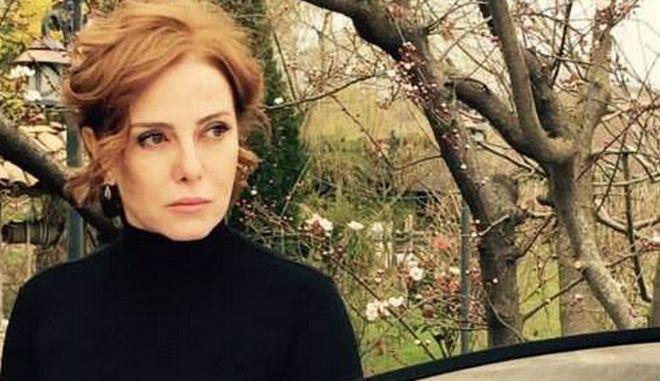 Η τραγουδίστρια Ζουχάλ Ολτζάι που καταδικάστηκε για εξύβριση κατά του Ερντογάν