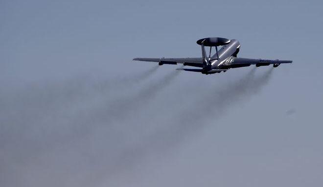 Ιπτάμενο ραντάρ (AWACS) του ΝΑΤΟ