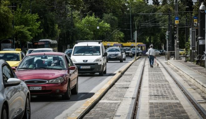 Ψηφιακά οι προσωρινές άδειες οδήγησης, με ισχύ 4 μηνών. (EUROKINISSI/ΤΑΤΙΑΝΑ ΜΠΟΛΑΡΗ)