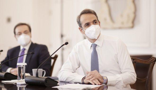 Ο πρωθυπουργός Κυριάκος Μητσοτάκης, στην τηλεδιάσκεψη της Κ.Ο. της ΝΔ