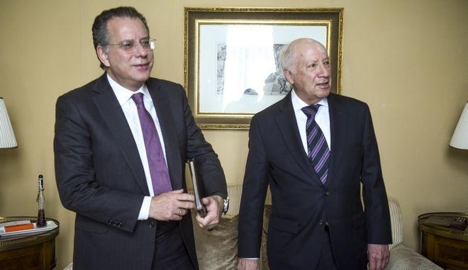 Συνάντηση του τομεάρχη Εξωτερικών και βουλευτή του κόμματος της αξιωματικής αντιπολίτευσης, ΓιώργοΥ ΚουμουτσάκοΥ με τον προσωπικό απεσταλμένο του γενικού γραμματέα των Ηνωμένων Εθνών, Μάθιου Νίμιτς την Τρίτη 30 Ιανουαρίου 2018. (EUROKINISSI/ΤΑΤΙΑΝΑ ΜΠΟΛΑΡΗ)