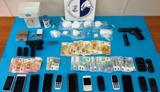 Κατασχέθηκαν 463 γραμμάρια κοκαΐνης, μικροποσότητα ακατέργαστης κάνναβης και 300 γραμμάρια νοθευτικής ουσίας
