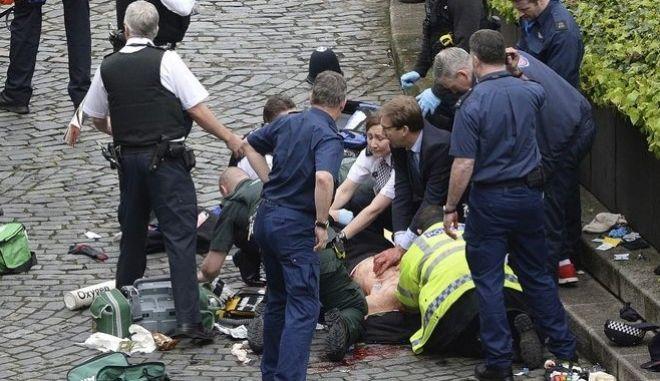 Βρετανία: Έδρασε μόνος του ο δράστης έξω από το κοινοβούλιο