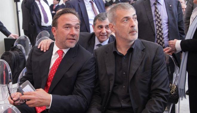 Ο Πέτρος Κόκκαλης και ο Γιάννης Μώραλης μαζί σε εκδήλωση, Αρχείο