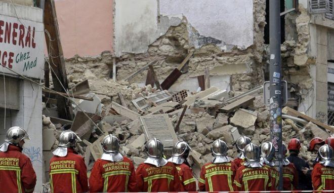 Δύο κτίρια κατέρρευσαν στην οδό Ομπάν το πρωί της Δευτέρας στη Μασσαλία
