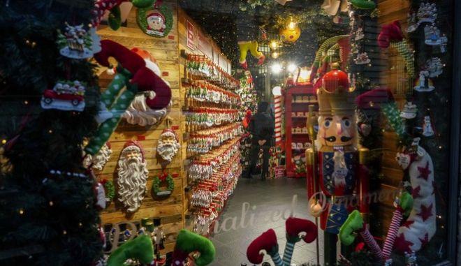Μόνο τα εποχιακά καταστήματα θα ανοίξουν στις 7 Δεκεμβρίου