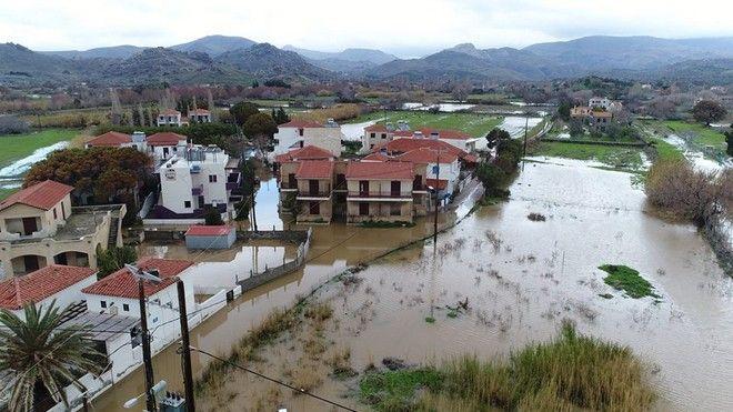 Λέσβος: Πλημμύρισε η Ερεσός από τις έντονες βροχοπτώσεις