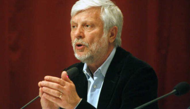 Τατούλης σε συνέδριο του Economist: Δικαιώνεται η θεωρία του κεφαλαίου του Μαρξ