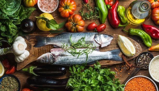 Τρόφιμα πιο κοντά στη φύση του ανθρώπου περιέχονται κυρίως στη Μεσογειακή Διατροφή