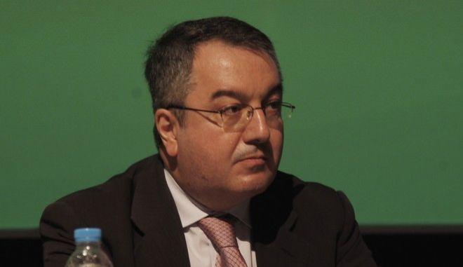 Ο καθηγητής Πολιτικής Υγείας Ηλίας Μόσιαλος