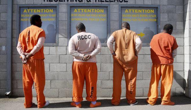 Κρατούμενοι στις φυλακές του Σακραμέντο