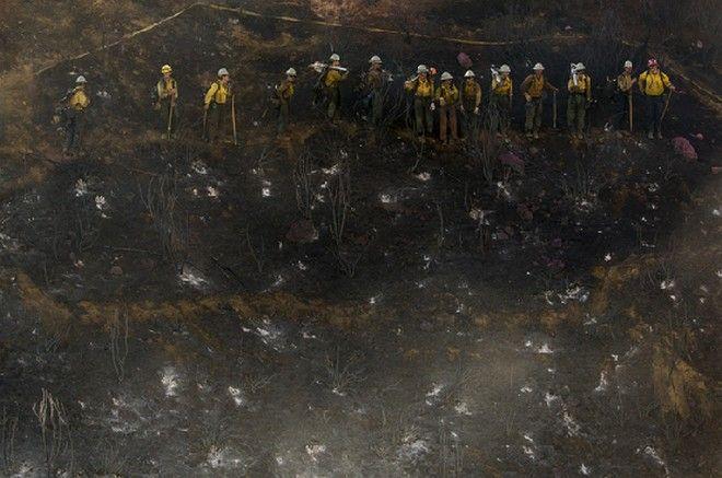 Κόλαση στην Καλιφόρνια: 7.800 άνθρωποι εγκατέλειψαν τις εστίες τους λόγω της πυρκαγιάς