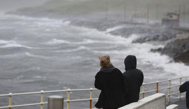 Βρετανία: Καταστροφές από την καταιγίδα Μπράιαν