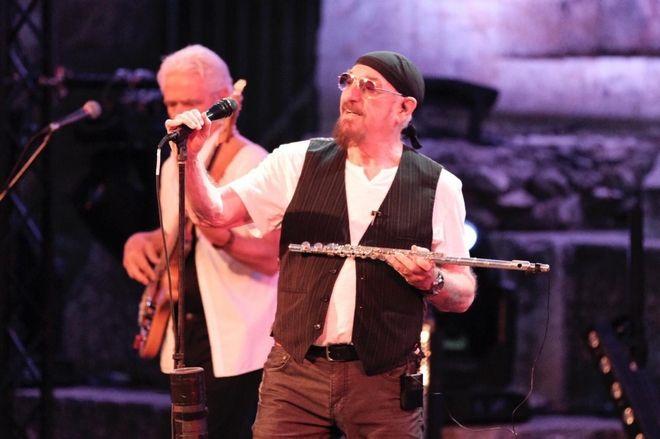 Στη συναυλία των Jethro Tull στο Ηρώδειο ο Μητσοτάκης με την κόρη του