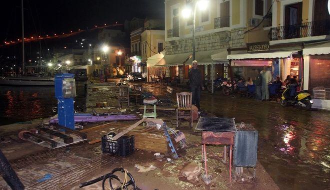 Καταστροφές από την κακοκαιρία στην Σύμη, την Τρίτη 14 Νοεμβρίου 2017. (EUROKINISSI/RODOSPRESS.GR/ΑΡΓΥΡΗΣ ΜΑΝΤΙΚΟΣ)