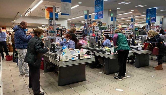Κορονοϊός: Έλεγχος εισόδου στα σούπερ μάρκετ. Πώς θα ψωνίζουμε από Δευτέρα