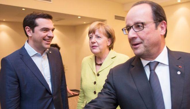 Σύνοδος Κορυφής: Μπαράζ συναντήσεων Τσίπρα