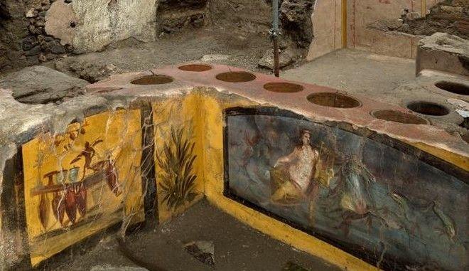 """Εικόνα από το """"φαστ φουντ"""" της Πομπηίας"""
