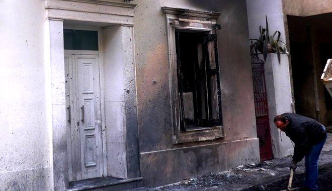 Επίθεση κουκουλοφόρων στο σπίτι του Αλέκου Φλαμπουράρη