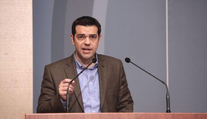Τις προτάσεις του ΣΥΡΙΖΑ για το φορολογικό σύστημα παρουσίασαν την Δυτέρα 4 Μαρτίου 2013, στο ΕΒΕΑ ο επικεφαλής του κόμματος Αλέξης Τσίπρας, ο υπεύθυνος του τομέα Οικονομικής Πολιτικής Γιάννης Μηλιός, ο Γιάννης Δραγασάκης και οι συντονιστές του τομέα Φορολογικής Πολιτικής, Τρύφων Αλεξιάδης και Άγγελος Κούρος.  (EUROKINISSI/ΓΕΩΡΓΙΑ ΠΑΝΑΓΟΠΟΥΛΟΥ)