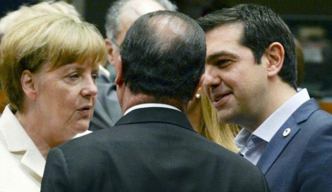 Τσίπρας, Μέρκελ και Ολάντ στην κρίσιμη σύνοδο κορυφής του Ιουλίου του 2015
