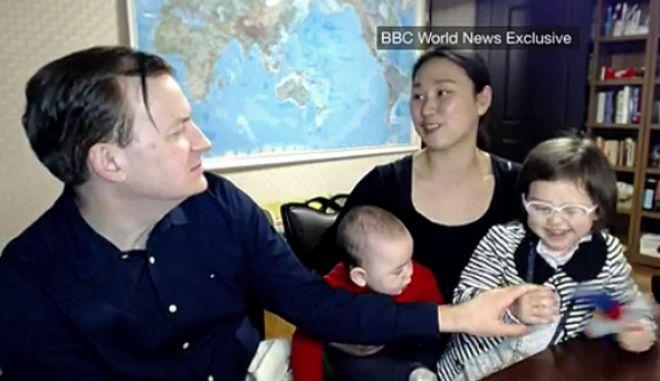 Η Viral οικογένεια του BBC. 'Σταματήστε να λέτε ότι είμαι η νταντά'