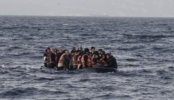 Μετανάστες σε παραλία της Λέσβου (φωτογραφία αρχείου)