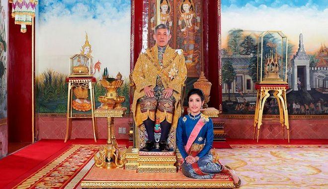 Γερμανία: Έσπασαν την καραντίνα για τον βασιλιά της Ταϊλάνδης και το χαρέμι του
