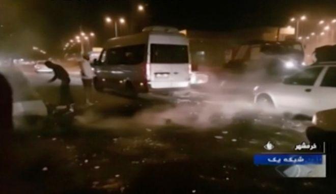 Επεισόδια στο Ιράν μετά την ανακοίνωση για αύξηση της τιμής της βενζίνης