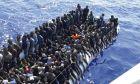 Κράτηση των μεταναστών σε πλοία προτείνουν Αυστρία και Ιταλία