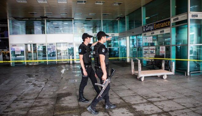 Τουρκία: Οι αρχές άνοιξαν πυρ σε μοτοσικλέτα έξω από το αεροδρόμιο Ατατούρκ