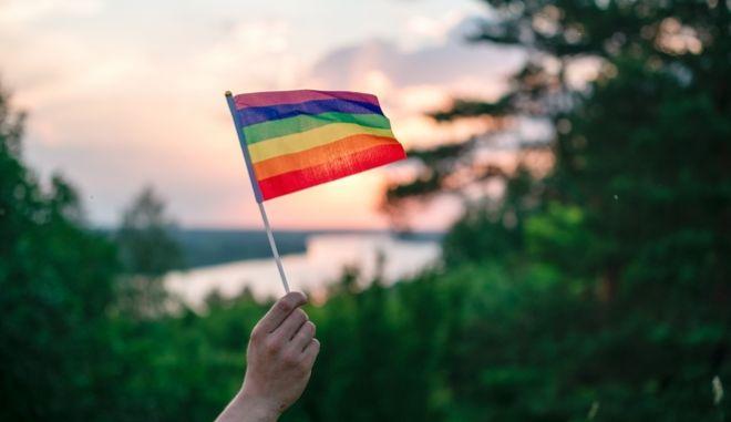 Ευρωπαϊκό Κοινοβούλιο: Να αναγνωριστούν σε όλη την ΕΕ οι γάμοι και τα σύμφωνα ομοφυλόφιλων