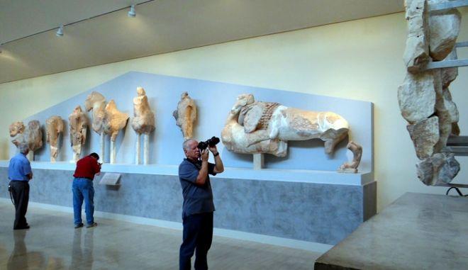 Φωτογραφία αρχείου 4 Οκτωβρίου 2012. 'ποψη από εκθέματα του Μουσείου στον αρχαιολογικό χώρο των Δελφών. ΑΠΕ-ΜΠΕ/ΑΠΕ-ΜΠΕ/Παντελής Σαίτας
