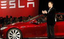 Ο Mr Tesla πάρκαρε... για επενδύσεις στην Ελλάδα