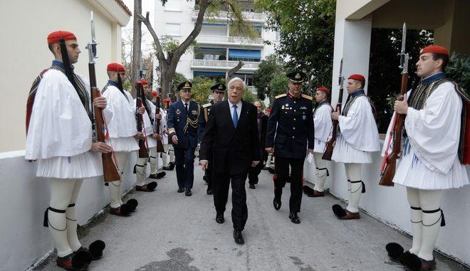 Μετάβαση του Προέδρου της Δημοκρατίας στις εγκαταστάσεις της Προεδρικής Φρουράς