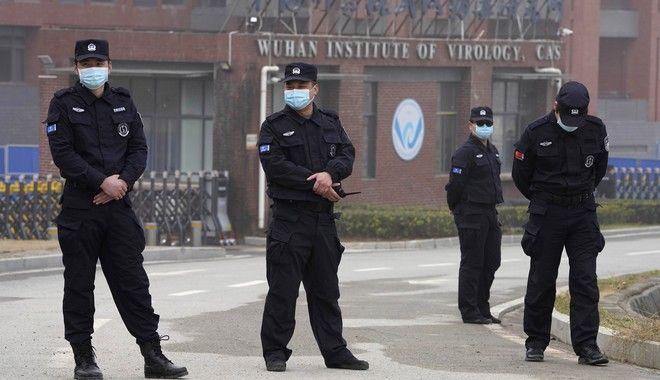 H είσοδος του Wuhan Institute of Virology επιτηρείται πάντα.