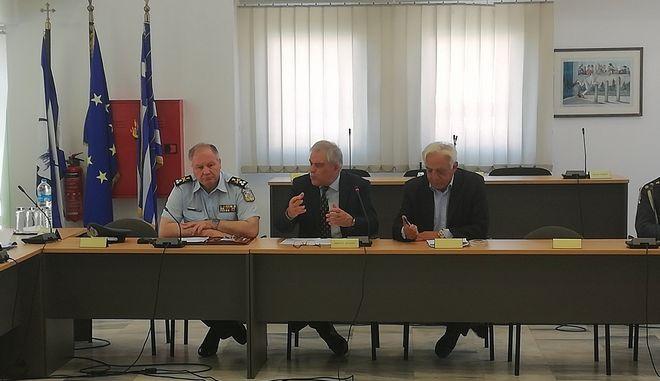 Σύσκεψη υπό τον Νίκο Τόσκα στο δημαρχείο Π. Φαλήρου για θέματα αστυνόμευσης της περιοχής