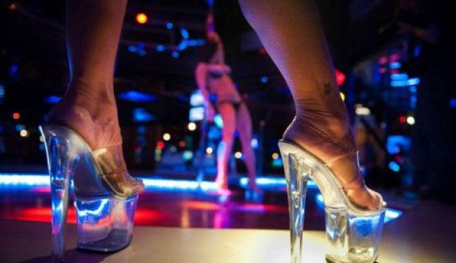 Εξαρθρώθηκε κύκλωμα trafficking - Έφοδος σε strip club