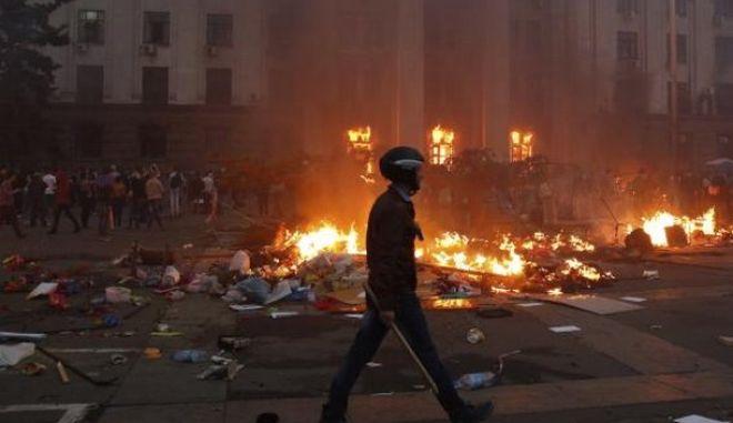 """""""Φλέγεται"""" η Ουκρανία. Σφοδρές μάχες στο Κραματόρσκ"""