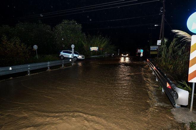 Πλημμύρες από τις έντονες βροχοπτώσεις στον Πύργο της Ηλείας
