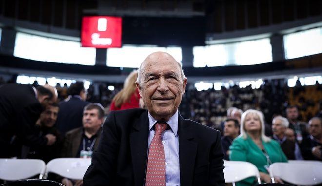 Ο πρώην πρωθυπουργός Κώστας Σημίτης