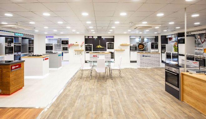 Κωτσόβολος: Νέο κατάστημα σε Πειραιά. Ετοιμάζεται για River West