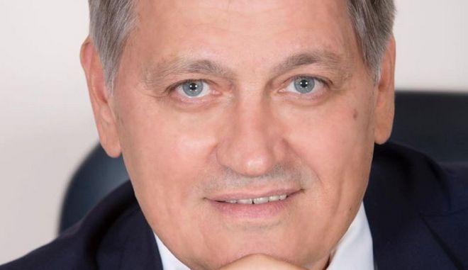 Ο Παναγιώτης Παπαδόπουλος ήταν πρόεδρος του Βιοτεχνικού Επιμελητηρίου Θεσσαλονίκης και Β΄ αντιπρόεδρος της Κεντρικής Ενωσης Επιμελητηρίων Ελλάδος