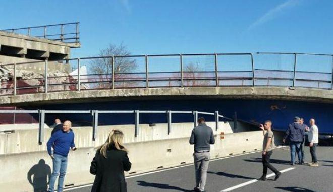 Τραγωδία στην Ιταλία: Κατέρρευσε οδογέφυρα σε αυτοκινητόδρομο