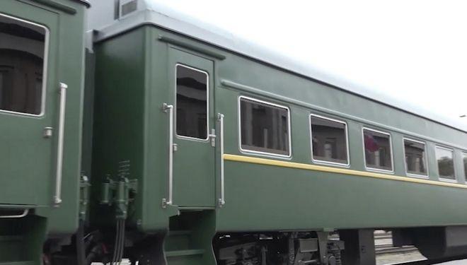 Ο Κιμ Γιονγκ Ουν στο τρένο του (Φωτογραφία αρχείου)