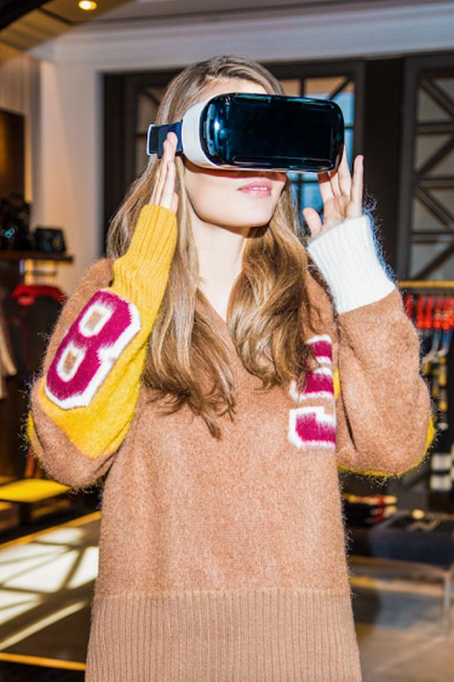 Ο Tommy Hilfiger παρουσιάζει την In store virtual reality εμπειρία