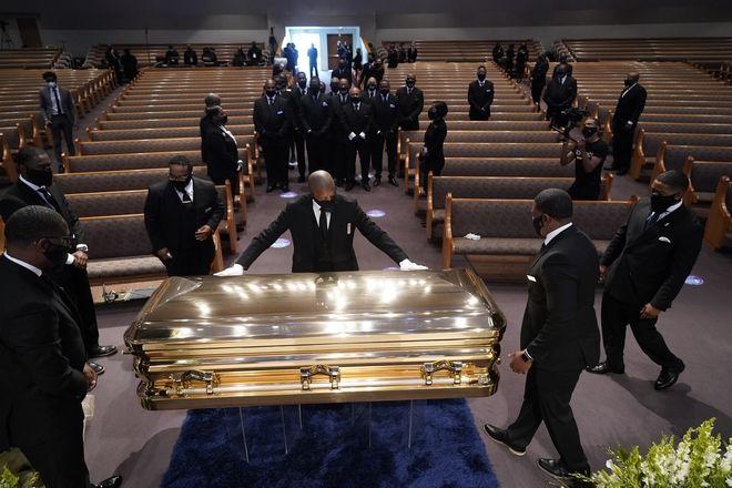 Στιγμιότυπο από την κηδεία του Τζορτζ Φλόιντ στο Χιούστον