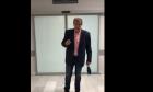 Υπουργείο Υγείας κατά Πολάκη: Ας φοράει τουλάχιστον μάσκα στα νοσοκομεία αναφοράς