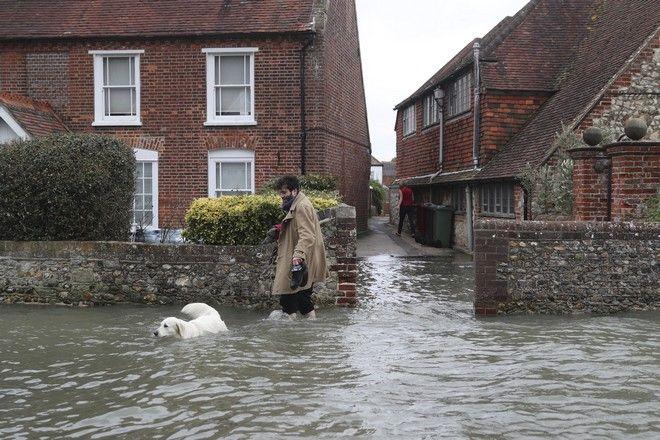 Καταιγίδα Κιάρα, στιγμιότυπο από τη Μ.Βρετανία